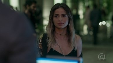 Sandra Helena joga charme e pede que Agnaldo a leve em casa - Xavier promete cozinhar pra Rúbia. Dílson marca de sair com uma gata