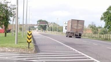 Número de roubos de cargas aumentam nas estradas do Rio de Janeiro - Ao lado de São Paulo, o Rio é o município onde foi registrado o maior número de roubos de carga.