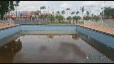 Visitantes reclamam de piscina suja no Parque Municipal de Guará, SP - Área de lazer é uma das mais importantes do município.
