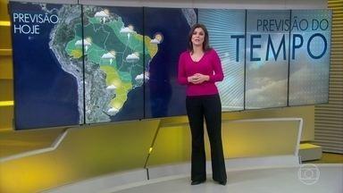 Previsão é de chuva no litoral sul da Bahia - As nuvens continuam concentradas entre Norte e Sudeste do Brasil. Previsão é de tempo firme em parte do Acre e entre norte do Maranhão e a divisa de Sergipe com a Bahia.