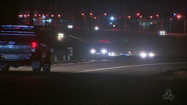 No AP, trecho da BR 210 sem iluminação deixa moradores e motoristas apreensivos - Recentemente, aconteceu um acidente no local, em que o motorista matou um ciclista na rodovia. O condutor do veículo alegou que não viu o ciclista. Denit informou que já iniciou as obras para colocar os portes de iluminação.