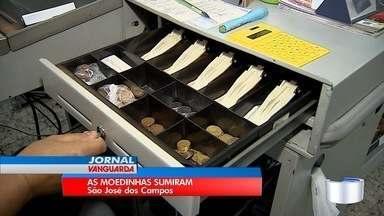 Falta de troco é problema para comerciantes de São José - Supermercados cobram solução do governo federal.