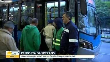 SPTrans diz que ônibus do Grajaú para o Brás saem de 5 em 5 minutos - Passageiros podem pagar antecipadamente.