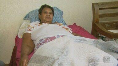 Idosa enfrenta impasse para realizar cirurgia no joelho em Ribeirão Preto - Beneficência Portuguesa recomenda procedimento, que é negado pelo Hospital das Clínicas.