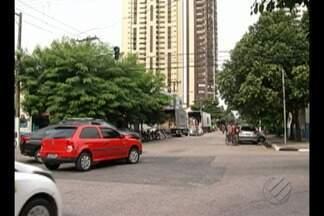 Semafóros com defeito causam acidente no bairro do Umarizal, em Belém - Os sinais pararam de funcionar e estão em sistema de alerta.