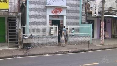 Duas pessoas feridas em chacina no AM seguem internadas - Grupo armado efetuou disparos de fuzil na capital.