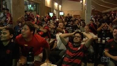 Torcedores do Flamengo se reúnem para ver final em barde de Goiânia - Globo Esporte mostra como os rubro-negros acompanharam a decisão