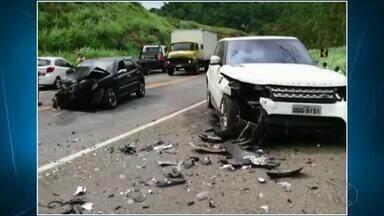 Acidente deixa 13 pessoas feridas na BR-116 em Miradouro - Os feridos foram levados para o Hospital São Paulo em Muriaé.