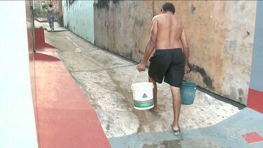 Moradores da Madre Deus seguem sem abastecimetno de água em São Luís - A chuva que aconteceu na manhã desta quinta-feira (14) foi a solução para os moradores.