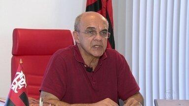 Presidente do Flamengo diz que clube vai assumir prejuízos no Maracanã - Eduardo Bandeira de Mello também criticou a operação de segurança montada fora do estádio e pediu desculpas pela noite de violência praticada por alguns torcedores do clube.