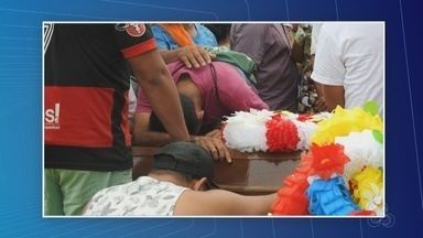 Apenas um dos mortos em chacina na Compensa tinha passagem pela polícia - Polícia segue investigações de crime em campo de futebol.