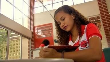Escola rural de Canindé tem aulas na sala e no campo - Confira mais notícias em G1.Globo.com/CE.
