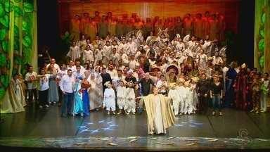 Estreia de 'Ceci e a Estrela' reúne 700 pessoas no Teatro Amazonas - Musical de Natal ainda terá sessões nos dias 19, 20, 21, 22 e 23 de dezembro.
