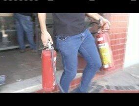 Homem é preso em Ipatinga durante operação do Gaeco - Empresas fabricavam e comercializavam extintores de incêndio com selos falsificados.