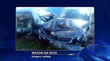 Acidente entre dois veículos em rodovia com obras provoca morte em Pereira Barreto - Uma pessoa morreu e outras três ficaram feridas em um acidente na rodovia Dorival da Silva Lousada, em Pereira Barreto (SP), nesta segunda-feira (18).