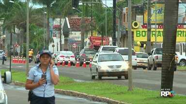 Falta de energia causa transtornos na região de Paranavaí - Várias casas ficaram sem luz na região. Em Paranavaí, um semáforo parou de funcionar.