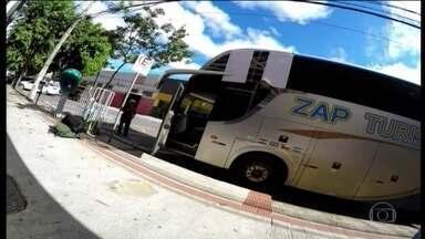 Transporte regular perde 7 milhões de pessoas para o clandestino em BH - Passagem vendida na rua custa até a metade do preço da convencional. Muitas viagens são feitas em ônibus que não passam por inspeção.