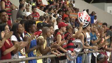 Time do basquete do Vitória ganha do Joinville no NBB - O jogo foi no ginásio de Cajazeiras, e o ingresso foi 1 kg de alimento não perecível.