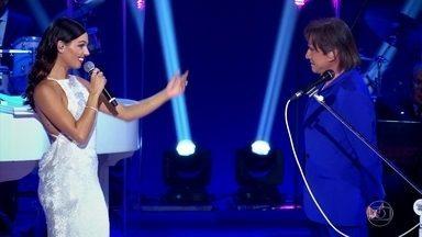 Roberto Carlos e Isis Valverde cantam a música 'Emoções' - Assista!