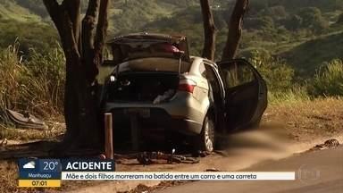 Acidente deixa mortos na BR-381, em Antônio Dias - Segundo a PRF, carro e carreta se envolveram na batida.