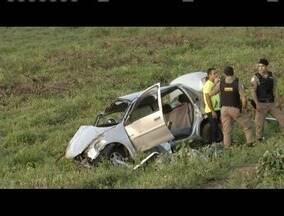 Acidente na BR-116, em Alpercata, deixa um morto e três feridos - Polícia suspeita que o condutor tenha dormido ao volante.