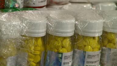 Receita Federal apreende medicamentos contrabandeados em ônibus - A apreensão foi em Santa Terezinha de Itaipu