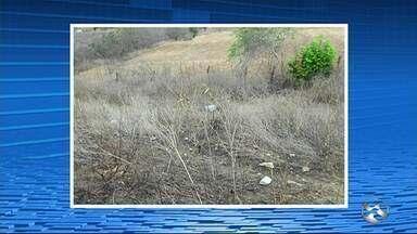 Corpo de homem é encontrado com faca cravada no pescoço em Vertentes - Vítima ainda não identificada foi localizada na zona rural do município.
