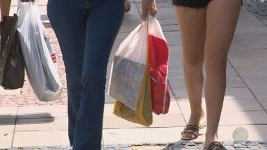 Troca de presentes que não serviram movimenta comércio pós-Natal em Campinas - Desafio para consumidores, é não sair com bolso pesado durante esta semana.