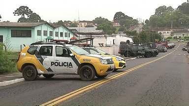 Após quase 20 horas, termina rebelião em cadeia de Castro - Um agente carcerário ficou refém dos presos durante o motim.