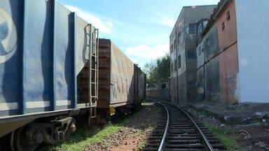 Empresa quer reintegração de posse de imóveis próximos a linhas férreas - Assista ao vídeo.