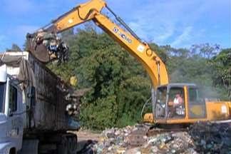 Operação emergencial vai esvaziar os caminhões de lixo de Biritiba e Salesópolis - Lixo poderá ser despejado em caçambas em local onde resíduos foram despejados irregularmente.