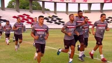 Jogadores do Santa Cruz se apresentam para a temporada 2018 - Apresentação dos atletas tricolores ocorreu no Arruda.