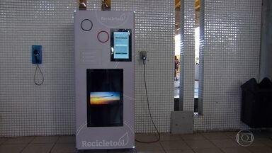 Metrô do Recife recebe máquina que transforma latas e garrafas vazias em dinheiro - Em 2018, três outras estações recebem o equipamento: Joana Bezerra, Tancredo Neves e Barro.
