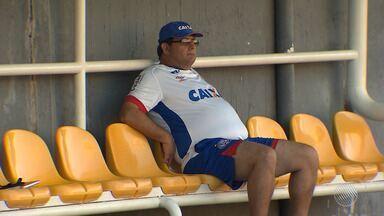 Guto Ferreira é anunciado como novo técnico do Bahia para o ano de 2018 - O acordo foi feito pelo time tricolor na tarde desta terça-feira (26). Guto retorna após sete meses ter trocado a equipe pelo Internacional.