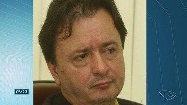 Ex-vereador de Vitória Antônio Denadai, morto durante o Natal, é enterrado - A polícia disse que o crime foi cometido pelo caseiro do sítio de Denadai, que foi morto, na sequência, por um amigo da família, em Santa Leopoldina.