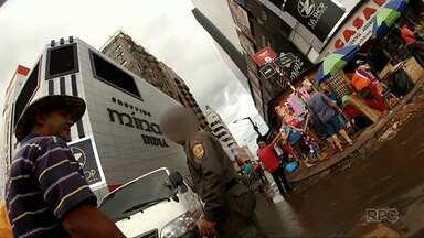 Corrupção na fronteira: policiais paraguaios cobram propina para facilitar o trânsito - A reportagem do ParanáTV gravou flagrantes de corrupção.