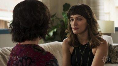 Clara convence Estela a ir ao salão de Nicácio - Neta de Josafá encontra o cabeleireiro em Pedra Santa