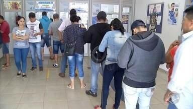 Paraguaios jogam na loteria brasileira, em Ponta Porã - Prêmio da Mega da Virada tem atraído muitos paraguaios para tentar a sorte de ser milionário.