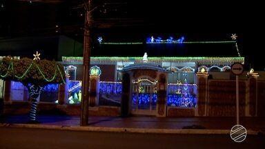 Casas decoradas com motivos natalinos participam de concurso em Campo Grande - O concurso é para escolher o imóvel melhor decorado.