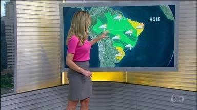 Previsão é de tempo chuvoso para boa parte do país - No Norte e no Centro-Oeste tem previsão de pancadas de chuva, mas o sol aparece. O tempo fica firme no Sul e em boa parte do Nordeste.