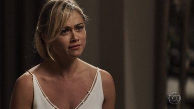 Suzy não encontra Samuel em casa e se irrita - O médico explica seu paradeiro à moça e se recusa a tentar ter um filho com ela