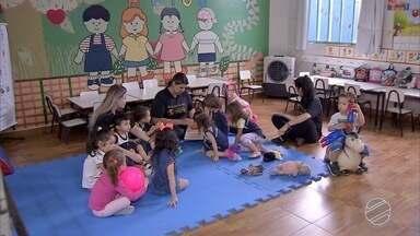 Mães e pedagoga falam sobre escolha da primeira escola para o filho - Escolher a escola para o filho tão pequeno não é tarefa fácil. Coração de mãe fica preocupado. Algumas delas dão dicas sobre a decisão.