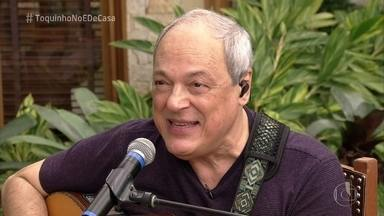 Toquinho comemora os mais de 50 anos de carreira - Cissa Guimarães pede e Toquinho toca música que fez em parceria com Jorge Ben Jor, 'Que Maravilha'