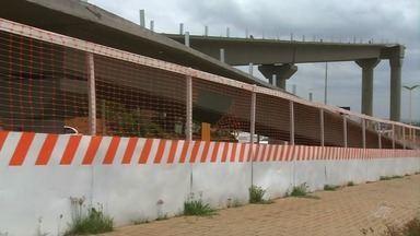 Construção de passarela na Avenida Padre Cícero segue com prazo de entrega dentro do prazo - Detran disse que os funcionários estão de recesso.