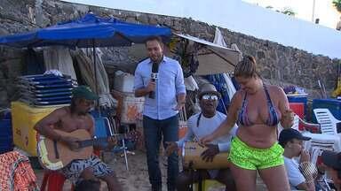 Verão: preços aumentam e banhistas passam a levar bebidas e comidas para a praia - A reportagem circulou na cidade mostrar a variação de preços.