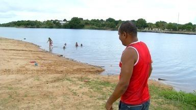 Praia de Porto Nacional é interditada após vazamento de esgoto - Praia de Porto Nacional é interditada após vazamento de esgoto