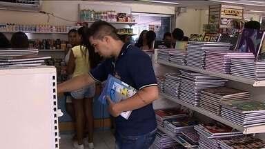 Movimento em livrarias fica abaixo do esperado - Movimento em livrarias fica abaixo do esperado.