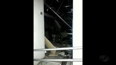Bandidos explodem agência do Banco do Brasil em Quebrangulo - Homens explodiram a agëncia e fugiram em dire;áo a Pernambuco.