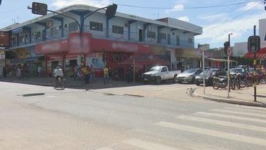 Mototaxistas de Ji-Paraná reivindicam retirada de pontos de trabalho - Mototaxistas de Ji-Paraná reivindicam retirada de pontos de trabalho