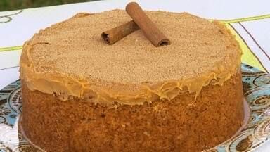 Nosso Campo ensina receita de bolo de churros - A equipe de reportagem do Nosso Campo traz uma receita que fica bonita e simples de ser feita. É um bolo de churros. Essa você não pode deixar de incluir no seu caderninho de receitas.